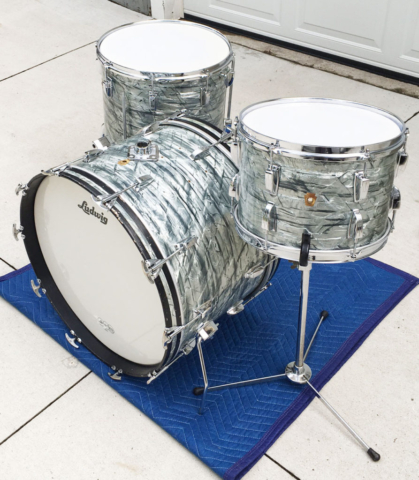 1966 Ludwig Classic 22/16/13 Set in Sky Blue Pearl