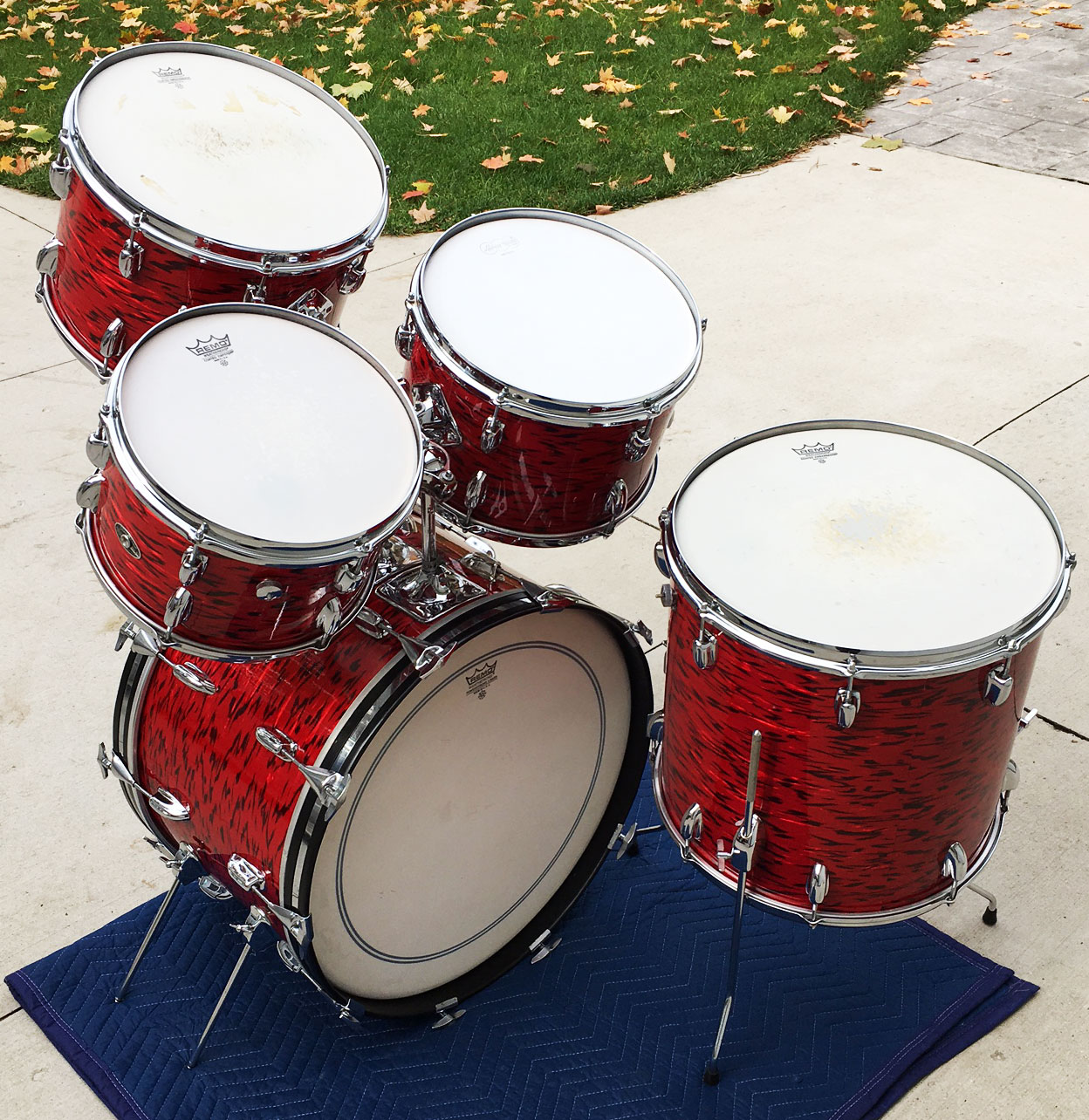 Early 1970s Slingerland Avante Outfit 60N in Red Tiger Pearl
