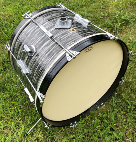 "1960s Ludwig 20"" Club Date Bass Drum in Black Oyster Pearl"